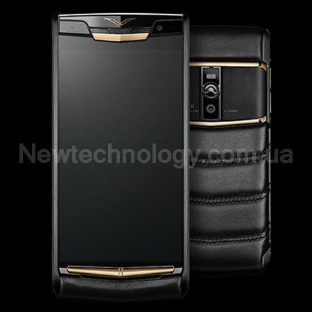 на фото копия Vertu Pure Jet Red Gold премиум 2018
