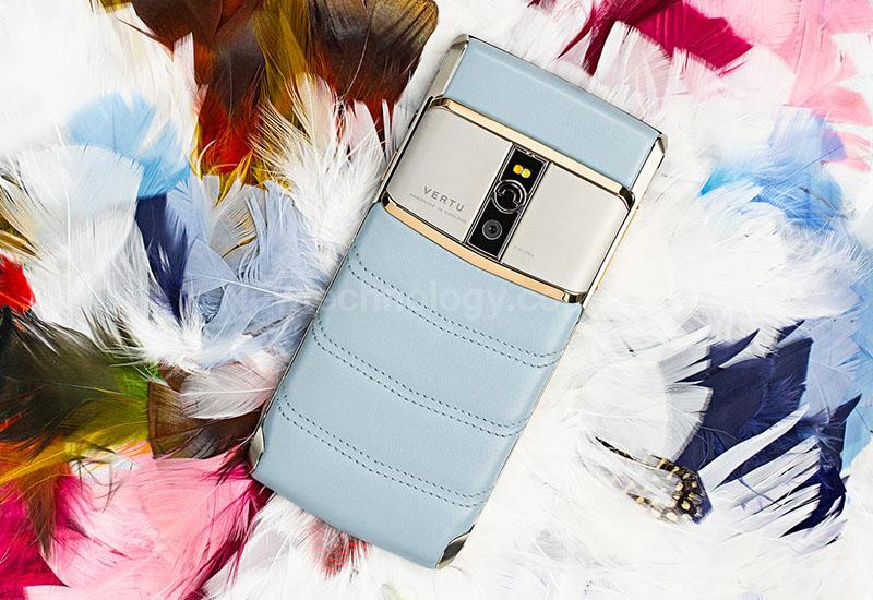 Самый красивый женский смартфон Sky Blue купить в Украине